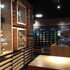 PSV fanstore, Eindhoven:  Winkelruimten door Bleeker Concepts , Modern