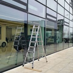 Concesionario Mazda: Ventanas de estilo  de Cristaleria Cidacos