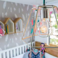 Cuarto de Olivia: Habitaciones infantiles de estilo  por Little One, Ecléctico