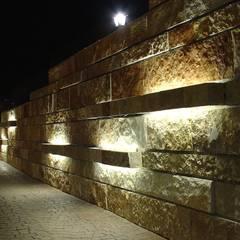 Villanova di Guidonia: Giardino in stile  di studioQ