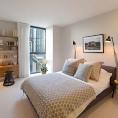 Bedroom:  Bedroom by Graham D Holland