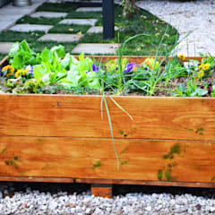 Container Living:  Garden by Acton Gardens, Industrial Wood Wood effect