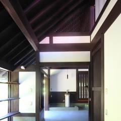Projekty,  Ogród zimowy zaprojektowane przez 株式会社 鎌倉設計工房