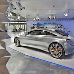 """Future Now"" Showroom Ausstellung, Mercedes-Benz KundenCenter Werk Bremen:  Autohäuser von spek Design"