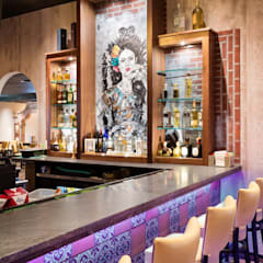 Restaurant Bar:  Bars & clubs by Kellie Burke Interiors