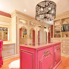Walk In Closet: eclectic Dressing room by Kellie Burke Interiors