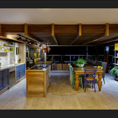 tropical Kitchen by Montenegro Arquitetura