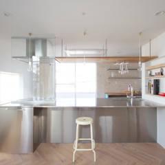 キッチン: SeijiIwamaArchitectsが手掛けたキッチンです。