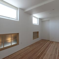 オリジナルキッチンと土間を愉しむ家: AD-HOUSE/株式会社大喜建設が手掛けた子供部屋です。,