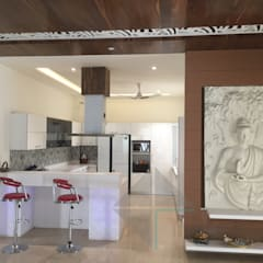 KIRTI BHAWAN:  Kitchen by APT Designs