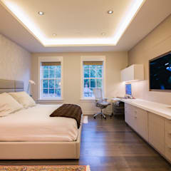 McLean Transitional :  Bedroom by FORMA Design Inc.