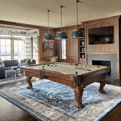 Bar Room: classic Media room by Kellie Burke Interiors