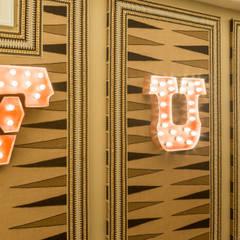 Entertainment Room: classic Media room by Kellie Burke Interiors