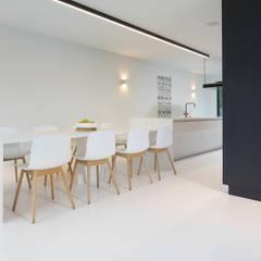 Salas de estilo moderno de Ode aan de Vloer Moderno Plástico