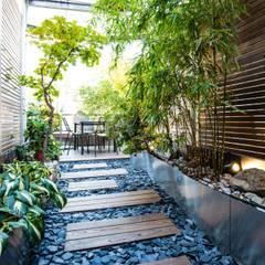 untere Terrassenebene:  Terrasse von cy architecture OG