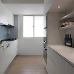 آشپزخانه by 御見設計企業有限公司