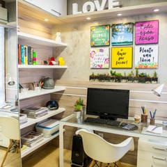 Ruang Kerja oleh Juliana Teixeira Arquitetura, Modern