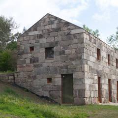 Casa Quinta de Mourigo - Celorico de Basto: Casas unifamilares  por Francisco Barata Fernandes, Arquitectos