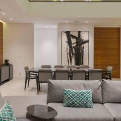 غرفة السفرة تنفيذ Padovani Arquitetos + Associados, تبسيطي