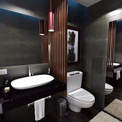 Bathroom by Crearqtiva,