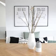 Appartement Katwijk : scandinavische Eetkamer door CM Interieurarchitect