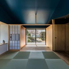 Media room by Smart Running一級建築士事務所
