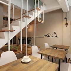 Urban Café:  商業空間 by 築一國際室內裝修有限公司, 簡約風