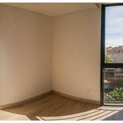 : Habitaciones de estilo  por Ensamble de Arquitectura Integral