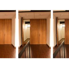 : Edificios de oficinas de estilo  por Ensamble de Arquitectura Integral, Minimalista Madera Acabado en madera