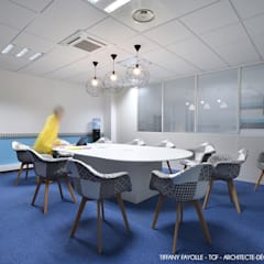 Aménagement d'une salle de réunion esprit Start-Up près de Lyon par Tiffany Fayolle, architecte d'intérieur et décoratrice: Lieux d'événements de style  par Tiffany FAYOLLE