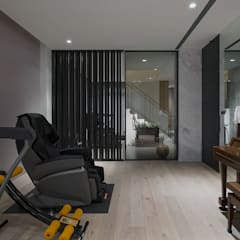House D 鄧宅:  健身房 by 構築設計