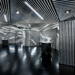 RACE Robotics Lab:  Offices & stores by MinistryofDesign,Modern