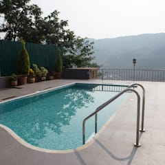Bungalow- Lavasa:  Garden Pool by Aesthetica,Modern
