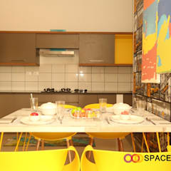 2BHK Flat :  Kitchen by Space Trend