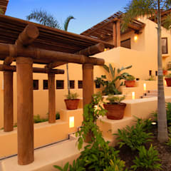 fotografía de Arquitectura en Punta Mita: Villas de estilo  por foto de arquitectura
