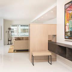 East 69th Street Apartment, NYC:  Corridor & hallway by BILLINKOFF ARCHITECTURE PLLC