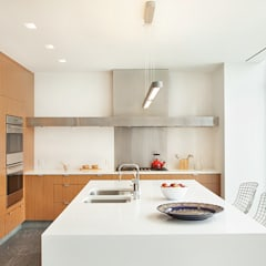High Line Penthouse, New York, NY: minimalistic Kitchen by BILLINKOFF ARCHITECTURE PLLC