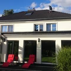 ..ermöglicht man sein persönliches Gartenambiente:  Einfamilienhaus von 2kn Architekt + Landschaftsarchitekt
