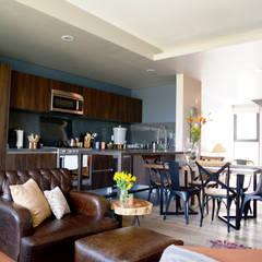 Juchitan Decor: Cocinas de estilo  por Erika Winters Design