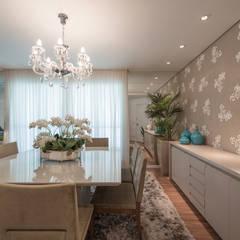 Edifício Inspiration I Ecoville: Salas de jantar modernas por Factus Arquitetura Planejamento Interiores
