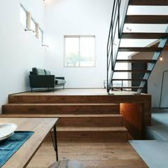 Industrial corridor, hallway & stairs by オレンジハウス Industrial
