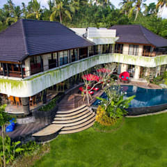 Delmara Villa, Soka Tabanan Bali : Dinding oleh Credenza Interior Design, Eklektik