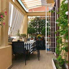 Balcones y terrazas de estilo moderno de EMC2Architetti Moderno