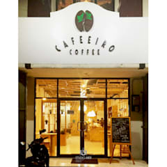 Caffeiro Coffee:  Ruang Komersial by Studio AKU