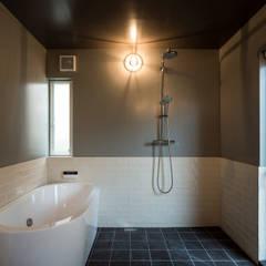 Bathroom by 東涌写真事務所