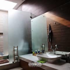 Rumah A+S: Kamar Mandi oleh The GoodWood Interior Design,