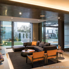 Formal Lounge:  Living room by Nico Van Der Meulen Architects