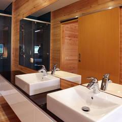 RUSTICASA | Casa unifamiliar | Sintra: Casas de banho modernas por Rusticasa