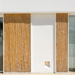 Sliding doors by Alejandro Giménez Architects