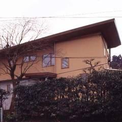 『鎌倉の家』(神奈川県鎌倉市): 猪野建築設計一級建築士事務所が手掛けた木造住宅です。
